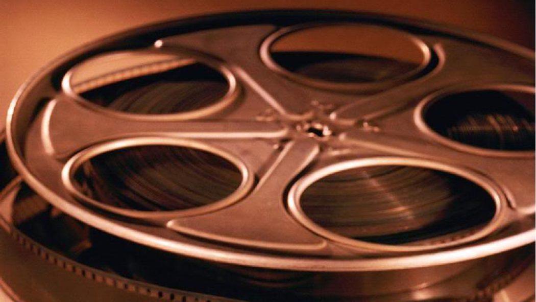 Roulette cinema roulette wheel configuration